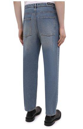 Мужские джинсы BALENCIAGA голубого цвета, арт. 641455/TDW15   Фото 4 (Силуэт М (брюки): Широкие; Кросс-КТ: Деним; Длина (брюки, джинсы): Стандартные; Стили: Гранж; Материал внешний: Хлопок; Детали: Потертости)