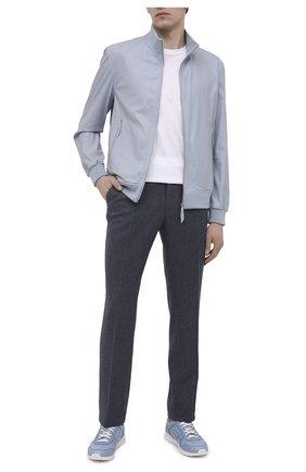 Мужской кожаный бомбер ANDREA CAMPAGNA голубого цвета, арт. 60000E5902700   Фото 2 (Рукава: Длинные; Длина (верхняя одежда): Короткие; Мужское Кросс-КТ: Кожа и замша; Кросс-КТ: Куртка; Принт: Без принта; Стили: Кэжуэл)