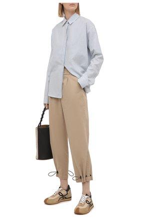 Женские хлопковые брюки ALICE + OLIVIA бежевого цвета, арт. CL000083105   Фото 2
