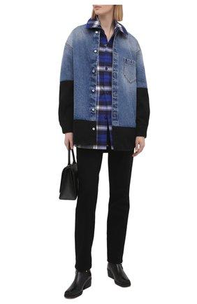 Женская джинсовая рубашка MM6 темно-синего цвета, арт. S52DL0145/S30589 | Фото 2 (Материал внешний: Хлопок; Длина (для топов): Удлиненные; Рукава: Длинные; Женское Кросс-КТ: Рубашка-одежда; Стили: Гранж; Принт: Без принта; Кросс-КТ: Деним)
