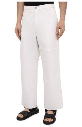 Мужские хлопковые брюки VALENTINO белого цвета, арт. VV3RBG3575Y | Фото 3
