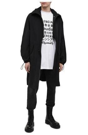 Мужская хлопковая футболка BALENCIAGA белого цвета, арт. 641614/TJVI3 | Фото 2 (Материал внешний: Хлопок, Синтетический материал; Длина (для топов): Удлиненные; Принт: С принтом; Рукава: Короткие; Стили: Гранж)