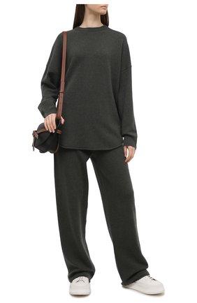 Женские кашемировые брюки EXTREME CASHMERE зеленого цвета, арт. 104/TR0USERS | Фото 2