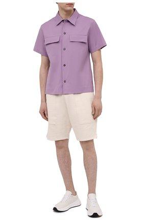 Мужская хлопковая рубашка BOTTEGA VENETA сиреневого цвета, арт. 652051/VKIX0 | Фото 2 (Материал внешний: Хлопок; Рукава: Короткие; Длина (для топов): Стандартные; Принт: Однотонные; Рубашки М: Classic Fit; Стили: Минимализм; Воротник: Кент; Случай: Повседневный)