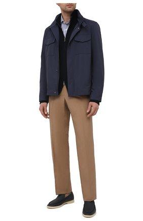 Мужская хлопковая рубашка RALPH LAUREN синего цвета, арт. 790833820   Фото 2 (Материал внешний: Хлопок; Длина (для топов): Стандартные; Случай: Повседневный; Принт: Полоска; Рукава: Длинные; Стили: Кэжуэл; Воротник: Акула; Манжеты: На пуговицах)