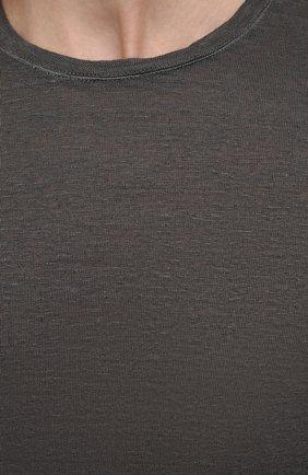 Мужская льняной лонгслив 120% LINO темно-серого цвета, арт. T0M70F4/E908/S00   Фото 5 (Рукава: Длинные; Принт: Без принта; Длина (для топов): Стандартные; Материал внешний: Лен; Стили: Кэжуэл)