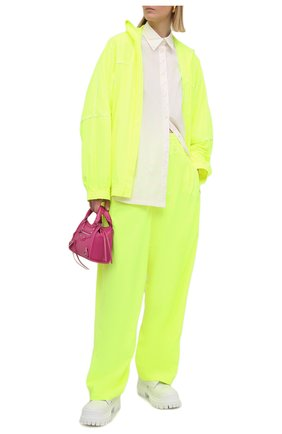 Женские брюки BALENCIAGA желтого цвета, арт. 643052/TJ0C1 | Фото 2