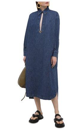 Женское джинсовое платье VALENTINO синего цвета, арт. VB3DBD25433 | Фото 2