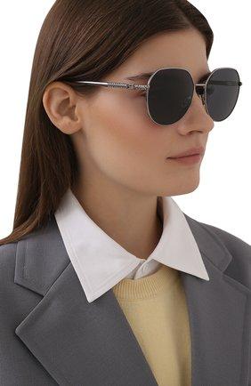 Женские солнцезащитные очки FENDI черного цвета, арт. 0451/F 6LB   Фото 2