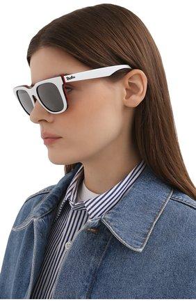 Женские солнцезащитные очки RAY-BAN белого цвета, арт. 4368-65196G | Фото 2
