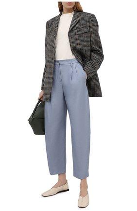 Женские брюки GIORGIO ARMANI синего цвета, арт. 1SHPP0H1/T02FB | Фото 2