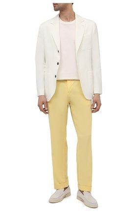 Мужские брюки KITON желтого цвета, арт. UFP1LACJ07T43   Фото 2 (Материал внешний: Хлопок, Лиоцелл; Длина (брюки, джинсы): Стандартные; Стили: Кэжуэл; Случай: Повседневный)