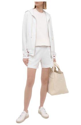 Женские шорты из хлопка и кашемира KITON белого цвета, арт. D51110AK09T22 | Фото 2 (Материал внешний: Хлопок; Длина Ж (юбки, платья, шорты): Мини; Женское Кросс-КТ: Шорты-одежда; Стили: Спорт-шик)