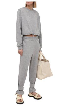 Женские хлопковые брюки THE FRANKIE SHOP серого цвета, арт. PA TCS KR 11 | Фото 2