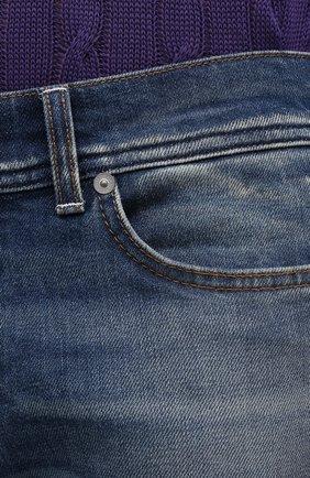 Мужские джинсы 7 FOR ALL MANKIND синего цвета, арт. JSD4K850AS   Фото 5 (Силуэт М (брюки): Прямые; Кросс-КТ: Деним; Длина (брюки, джинсы): Стандартные; Материал внешний: Хлопок; Детали: Потертости; Стили: Кэжуэл)