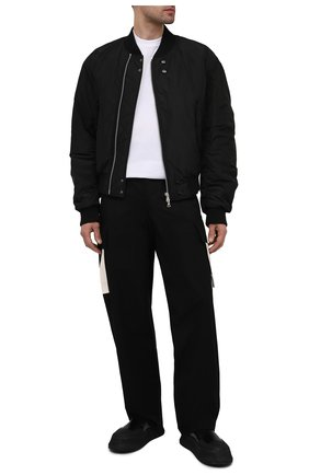 Мужские хлопковые брюки JACQUEMUS черного цвета, арт. 215PA04/107990 | Фото 2 (Длина (брюки, джинсы): Стандартные; Материал внешний: Хлопок; Случай: Повседневный; Стили: Минимализм)