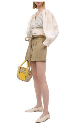 Женская хлопковая блузка LOEWE светло-бежевого цвета, арт. S540Y07W04 | Фото 2 (Длина (для топов): Укороченные; Материал внешний: Хлопок; Рукава: Длинные; Женское Кросс-КТ: Блуза-одежда; Принт: С принтом, Полоска; Стили: Романтичный)
