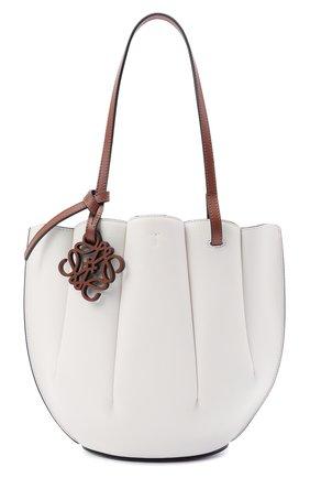 Женский сумка-тоут shell small LOEWE белого цвета, арт. A657T33X02 | Фото 1
