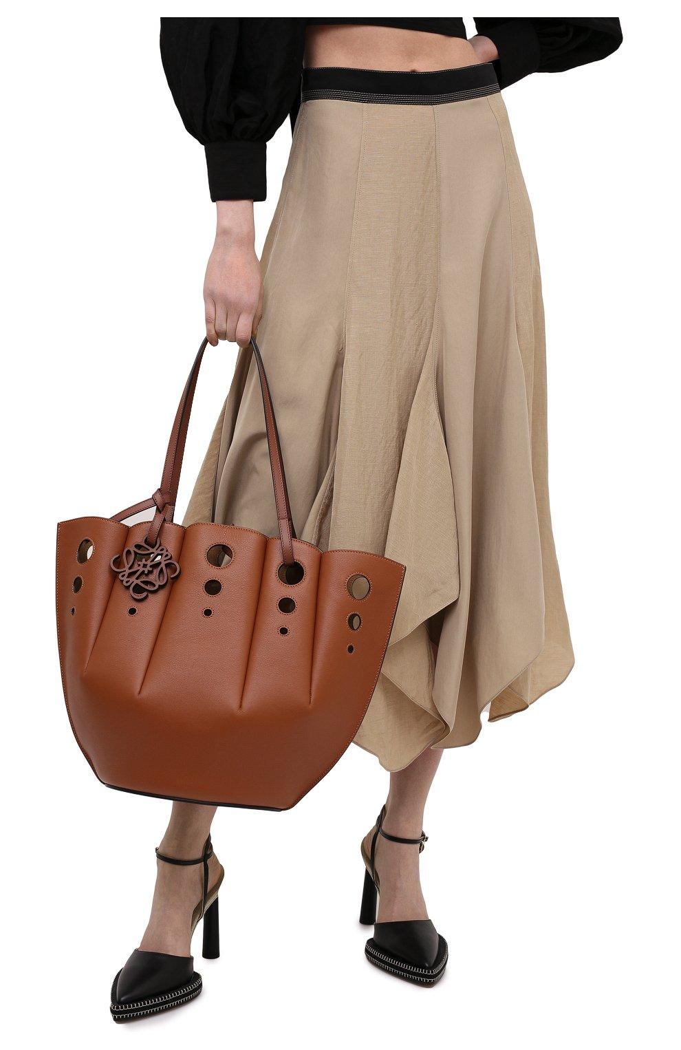 Женский сумка-тоут shell LOEWE коричневого цвета, арт. A657R52X13 | Фото 2 (Сумки-технические: Сумки-шопперы; Ошибки технического описания: Нет ширины; Размер: medium; Материал: Натуральная кожа)