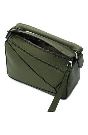 Женская сумка puzzle mini LOEWE зеленого цвета, арт. 322.30.U95   Фото 4 (Сумки-технические: Сумки через плечо, Сумки top-handle; Материал: Натуральная кожа; Размер: mini; Ремень/цепочка: На ремешке)