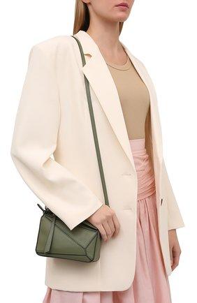 Женская сумка puzzle mini LOEWE зеленого цвета, арт. 322.30.U95   Фото 5 (Сумки-технические: Сумки через плечо, Сумки top-handle; Материал: Натуральная кожа; Размер: mini; Ремень/цепочка: На ремешке)