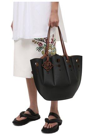 Женский сумка-тоут shell LOEWE черного цвета, арт. A657R52X13   Фото 2 (Ошибки технического описания: Нет ширины; Размер: medium; Материал: Натуральная кожа; Сумки-технические: Сумки-шопперы)