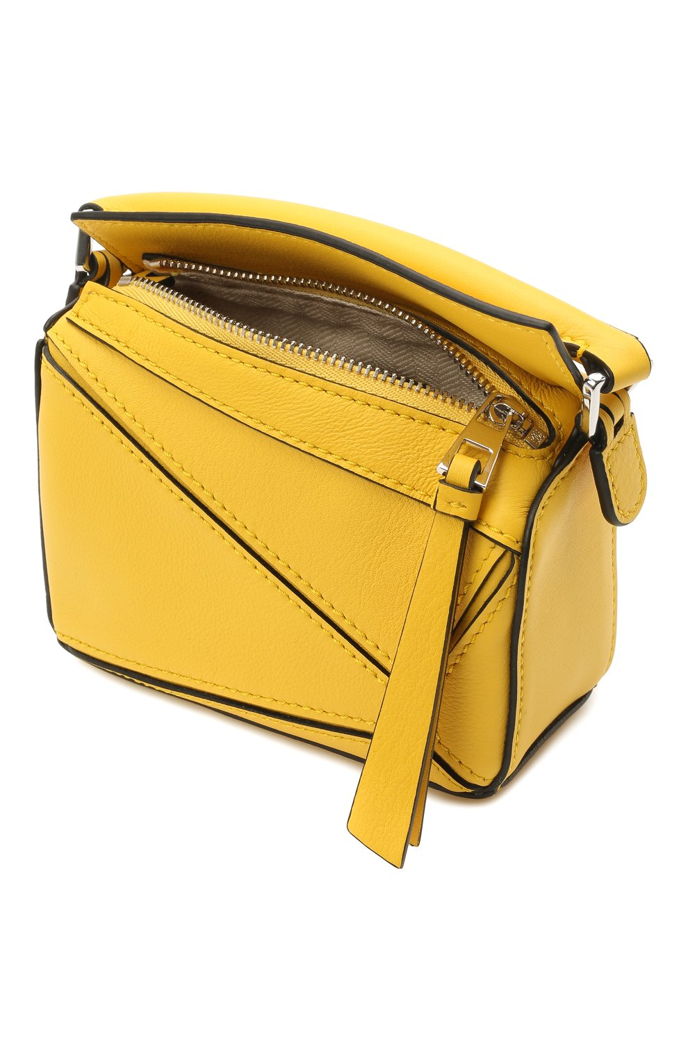 Женская сумка puzzle nano LOEWE желтого цвета, арт. A510U98X01 | Фото 4 (Ремень/цепочка: С цепочкой, На ремешке; Сумки-технические: Сумки top-handle; Материал: Натуральная кожа; Размер: mini)