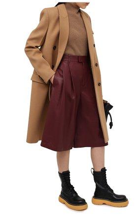 Женские кожаные шорты BOTTEGA VENETA бордового цвета, арт. 652742/VKV90 | Фото 2