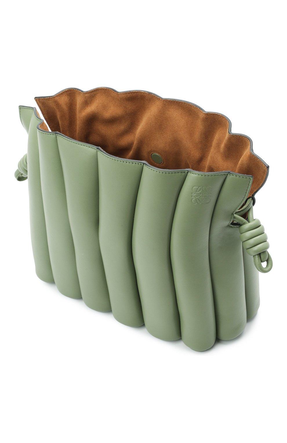 Женская сумка flamenco LOEWE зеленого цвета, арт. A411FC4X01   Фото 4 (Сумки-технические: Сумки через плечо; Размер: medium; Материал: Натуральная кожа; Ремень/цепочка: На ремешке)
