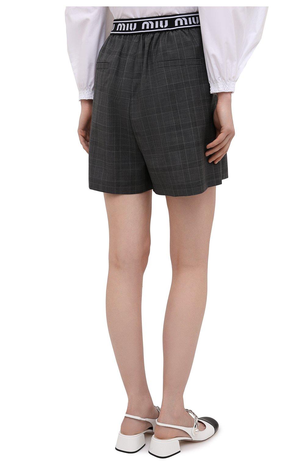 Женские шерстяные шорты MIU MIU темно-серого цвета, арт. MP1431-1UK2-F0480 | Фото 4 (Женское Кросс-КТ: Шорты-одежда; Материал внешний: Шерсть; Длина Ж (юбки, платья, шорты): Мини; Кросс-КТ: Широкие; Стили: Спорт-шик)