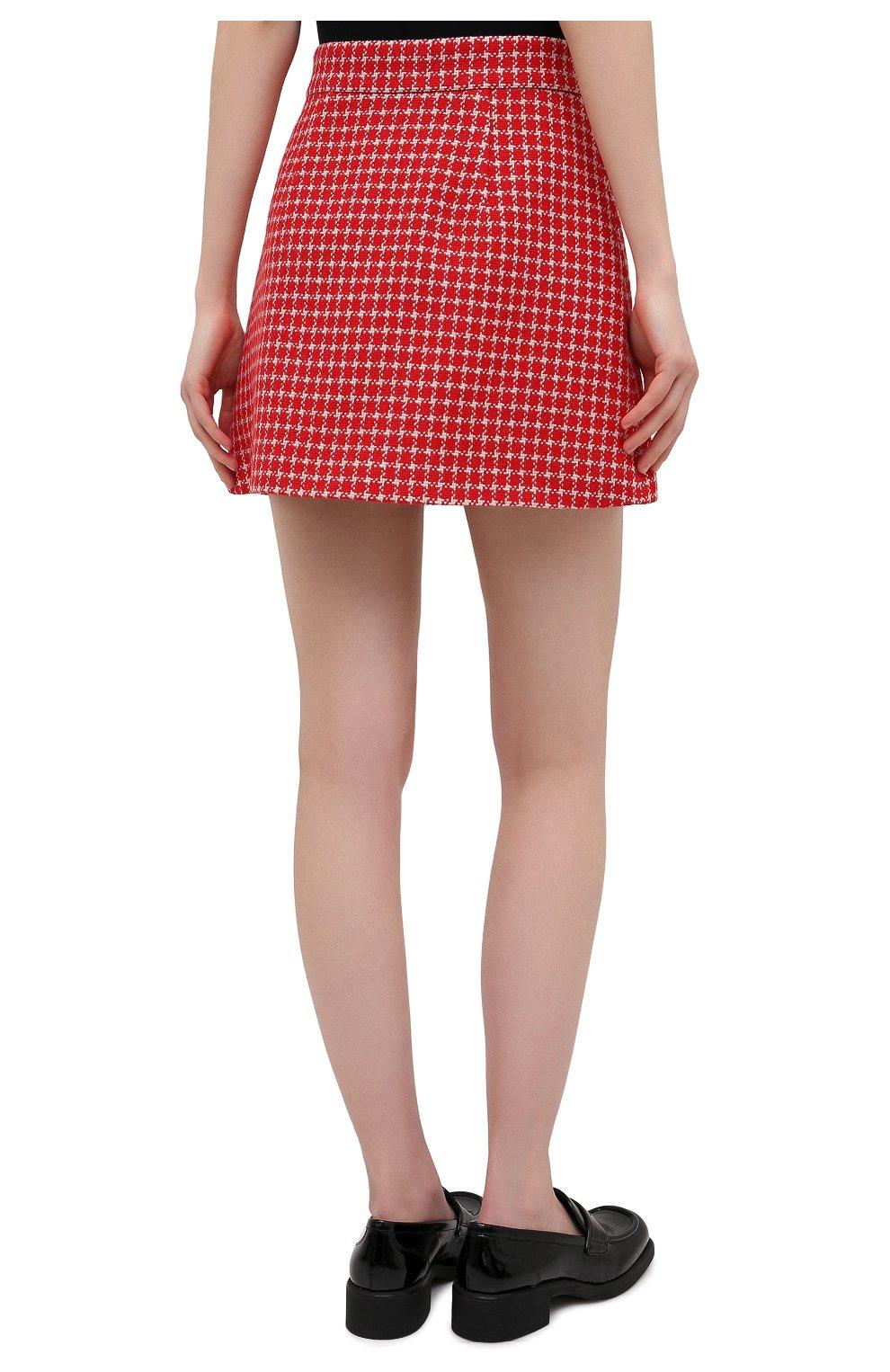 Женская юбка MIU MIU красного цвета, арт. MG1573-1V7V-F0011 | Фото 4 (Материал внешний: Шерсть, Синтетический материал; Длина Ж (юбки, платья, шорты): Мини; Женское Кросс-КТ: Юбка-одежда; Стили: Кэжуэл)