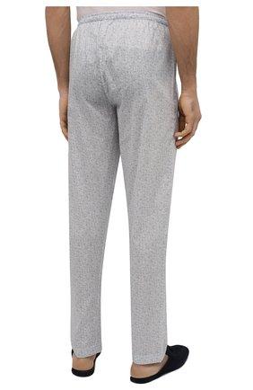Мужские хлопковые домашние брюки ZIMMERLI светло-серого цвета, арт. 4763-75182 | Фото 4 (Длина (брюки, джинсы): Стандартные; Кросс-КТ: домашняя одежда; Мужское Кросс-КТ: Брюки-белье; Материал внешний: Хлопок)