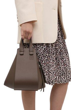 Женская сумка hammock small LOEWE темно-коричневого цвета, арт. 387.30.S35 | Фото 2