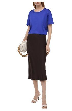 Женская шелковая футболка TOM FORD синего цвета, арт. TSJ383-FAX835 | Фото 2 (Длина (для топов): Стандартные; Материал внешний: Шелк; Принт: Без принта; Рукава: Короткие; Стили: Кэжуэл; Женское Кросс-КТ: Футболка-одежда)