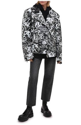 Женская кожаная куртка VETEMENTS черно-белого цвета, арт. UE51JA750BL 2470/W | Фото 2