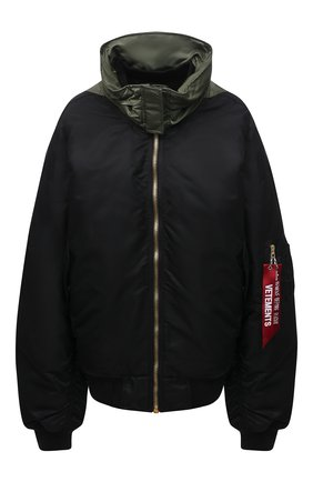 Женская куртка VETEMENTS черного цвета, арт. UE51JA300B 1338/W | Фото 1