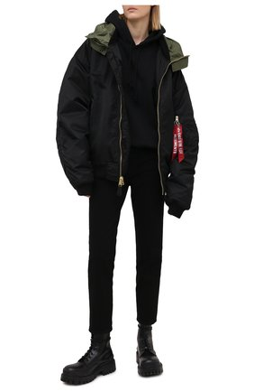 Женская куртка VETEMENTS черного цвета, арт. UE51JA300B 1338/W | Фото 2