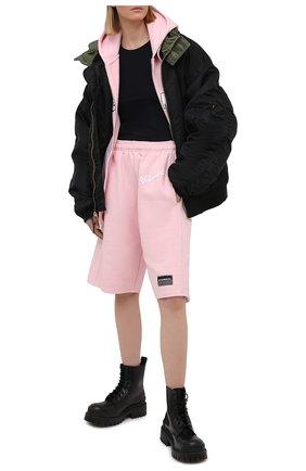 Женские хлопковые шорты VETEMENTS розового цвета, арт. UE51PA660P 1604/W | Фото 2