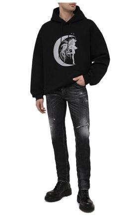 Мужские джинсы DSQUARED2 темно-серого цвета, арт. S74LB0878/S30357 | Фото 2 (Длина (брюки, джинсы): Стандартные; Кросс-КТ: Деним; Силуэт М (брюки): Прямые; Детали: Потертости; Материал внешний: Хлопок; Стили: Гранж)