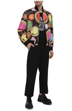 Мужская хлопковая футболка VERSACE черного цвета, арт. A86893/A228806 | Фото 2 (Материал внешний: Хлопок; Рукава: Короткие; Длина (для топов): Стандартные; Принт: С принтом; Стили: Кэжуэл)