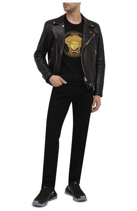 Мужские джинсы VERSACE черного цвета, арт. A81832/1F01113 | Фото 2