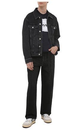 Мужская хлопковая футболка VERSACE темно-синего цвета, арт. A89296/A228806 | Фото 2 (Рукава: Короткие; Материал внешний: Хлопок; Длина (для топов): Стандартные; Принт: С принтом; Стили: Кэжуэл)