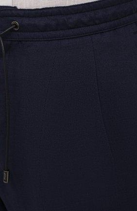 Мужские льняные брюки BRIONI темно-синего цвета, арт. RPMJ0M/P6114/NEW JAMAICA   Фото 5 (Длина (брюки, джинсы): Стандартные; Случай: Повседневный; Материал внешний: Лен; Стили: Кэжуэл)
