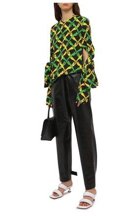 Женская блузка из вискозы BOTTEGA VENETA разноцветного цвета, арт. 651003/V0G60 | Фото 2 (Принт: С принтом; Материал внешний: Вискоза; Длина (для топов): Удлиненные; Рукава: Длинные; Женское Кросс-КТ: Блуза-одежда; Стили: Романтичный)