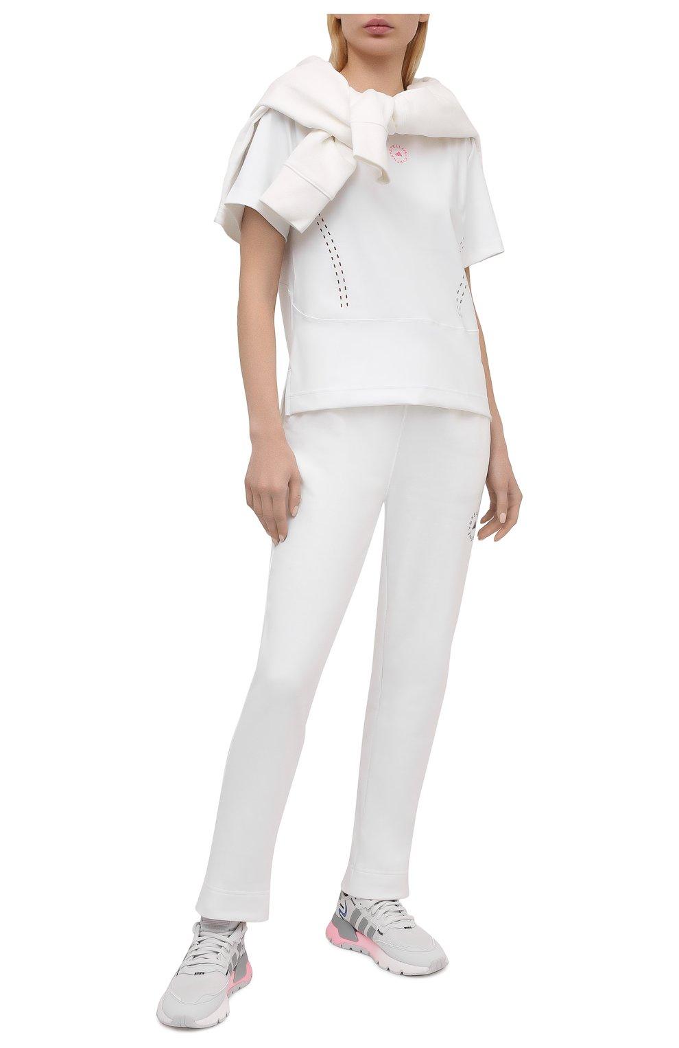 Женская футболка ADIDAS BY STELLA MCCARTNEY белого цвета, арт. GL5270 | Фото 2 (Женское Кросс-КТ: Футболка-спорт, Футболка-одежда; Рукава: Короткие; Материал внешний: Синтетический материал; Длина (для топов): Стандартные; Принт: С принтом; Стили: Спорт-шик)