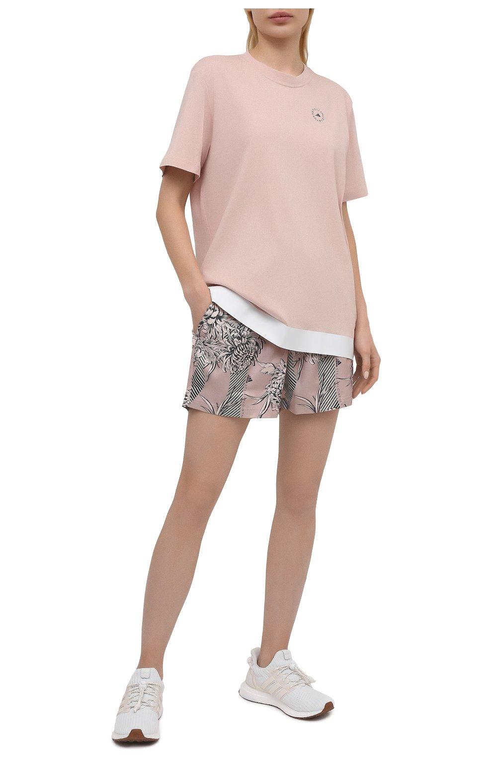 Женская хлопковая футболка ADIDAS BY STELLA MCCARTNEY розового цвета, арт. GL5269 | Фото 2 (Женское Кросс-КТ: Футболка-спорт, Футболка-одежда; Рукава: Короткие; Принт: С принтом; Длина (для топов): Удлиненные; Материал внешний: Хлопок; Стили: Спорт-шик)