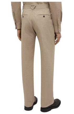 Мужские хлопковые брюки BOTTEGA VENETA бежевого цвета, арт. 651056/V07H0 | Фото 4 (Длина (брюки, джинсы): Стандартные; Случай: Повседневный; Материал внешний: Хлопок; Стили: Минимализм)