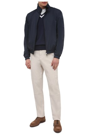 Мужской хлопковый пуловер BRUNELLO CUCINELLI синего цвета, арт. M2917902 | Фото 2 (Длина (для топов): Стандартные; Материал внешний: Хлопок; Рукава: Длинные; Стили: Кэжуэл; Мужское Кросс-КТ: Пуловеры; Принт: Без принта; Вырез: V-образный)