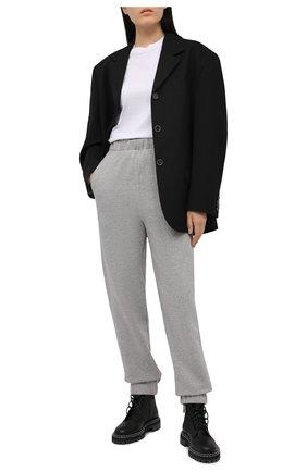 Женские хлопковые джоггеры GANNI серого цвета, арт. T2925 | Фото 2