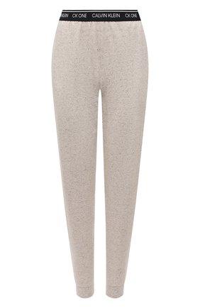 Женские хлопковые брюки CALVIN KLEIN серого цвета, арт. QS6429E | Фото 1